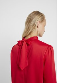 Another-Label - VANCOLEAR - Blouse - ski cherry - 3
