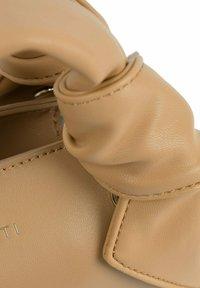 Inyati - ARIA  - Handbag - camel - 4