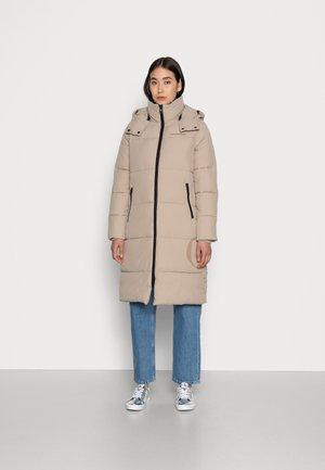 SIDE LOGO LONG PUFFER JACKET - Winter coat - crockery