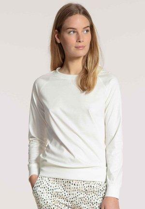 Long sleeved top - star white