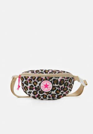 SLING PACK UNISEX - Bum bag - digi leopard