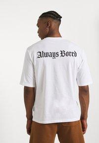 YOURTURN - UNISEX - T-shirts med print - white - 3