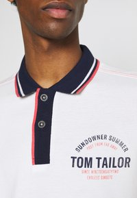 TOM TAILOR - DECORATED - Polotričko - off-white - 4