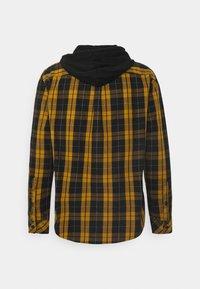 YOURTURN - UNISEX CHECK WITH HOOD  - Shirt - black/yellow - 1