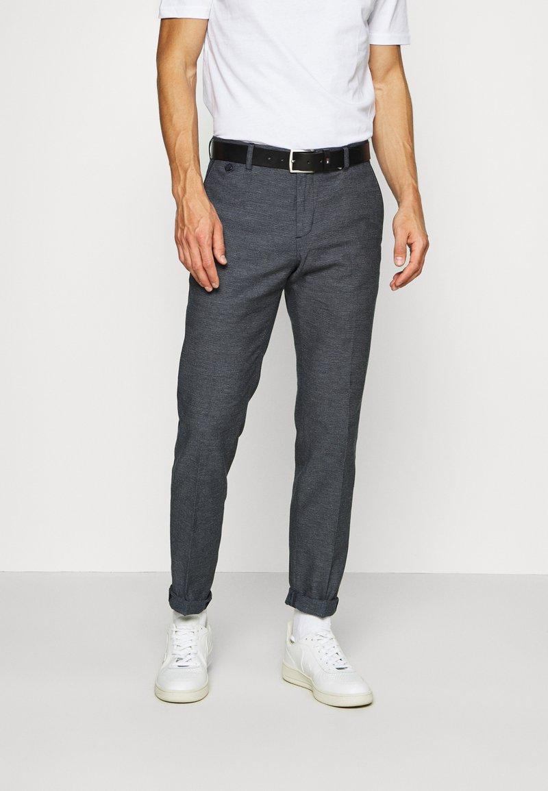 Tommy Hilfiger Tailored - FLEX SLIM FIT PANT - Kalhoty - black