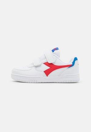 RAPTOR UNISEX - Zapatillas de entrenamiento - white/tomato red