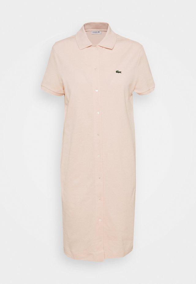 Košilové šaty - lata