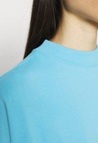 Weekday - PRIME - T-shirt basique - turquoise light - 4