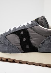 Saucony - JAZZ VINTAGE - Trainers - grey/black - 2