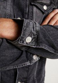 Calvin Klein Jeans - FOUNDATION SLIMJACKET - Cowboyjakker - grey - 6