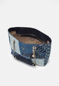 Guess - CESSILY TOTE - Handbag - denim multi - 2