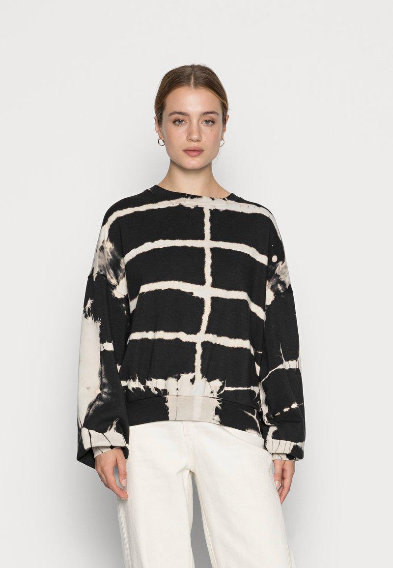 Weekday - PAMELA OVERSIZED - Sweater - tie dye