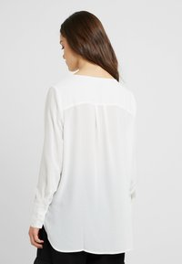 Selected Femme Petite - SLFSTINA DYNELLA - Blouse - creme - 2
