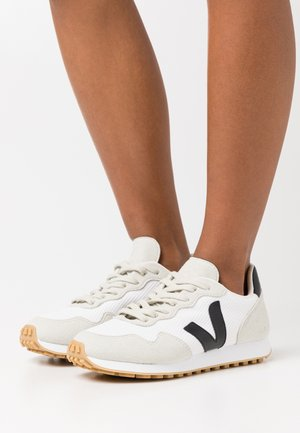 SDU REC - Sneakers laag - white/black/natural