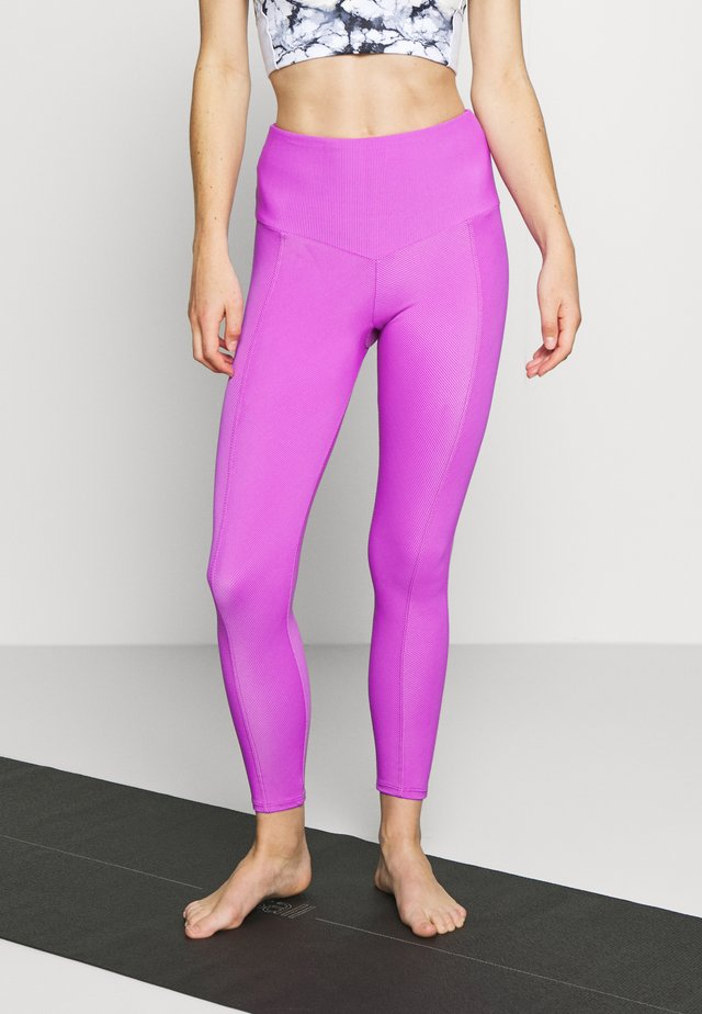 SWEETHEART MIDI - Leggings - vivid violet
