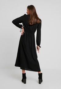 Vero Moda - VMEDDA DRESS - Robe chemise - black - 3