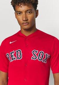 Nike Performance - MLB BOSTON RED SOX OFFICIAL REPLICA ALTERNATE - Club wear - scarlet - 4