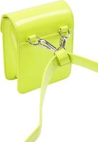 myMo - Bum bag - neon green - 3