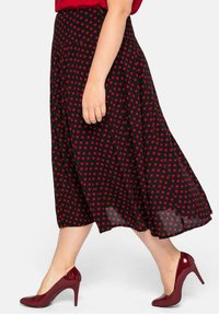 Sheego - Pleated skirt - schwarz-rot - 3