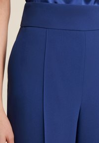 Luisa Spagnoli - OISY - Trousers - blu - 2