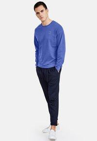 NEW IN TOWN - LONGSLEEVE - Sweater - blue - 1
