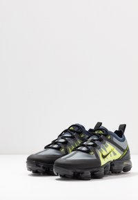 Nike Sportswear - AIR VAPORMAX 2019 - Tenisky - midnight navy/black/lemon/anthracite - 3