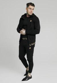 SIKSILK - PANT - Pantalones deportivos - black - 1