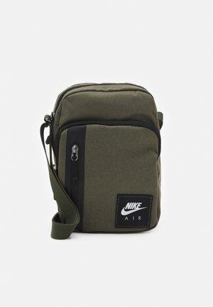 AIR TECH UNISEX - Across body bag - medium olive/cargo khaki/black