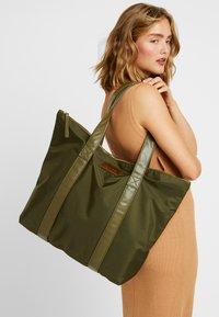 DAY Birger et Mikkelsen - LUXE - Shoppingveske - ivy green - 1
