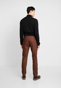 Bertoni - BLOCH TROUSER - Trousers - light brown - 2
