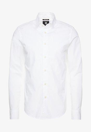 CORE SUPER SLIM - Skjorta - white