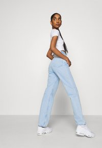 Weekday - TWIN TROUSERS - Straight leg jeans - summer blue - 3