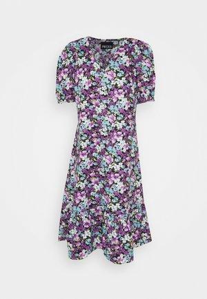PCYRSA MIDI DRESS - Denní šaty - black