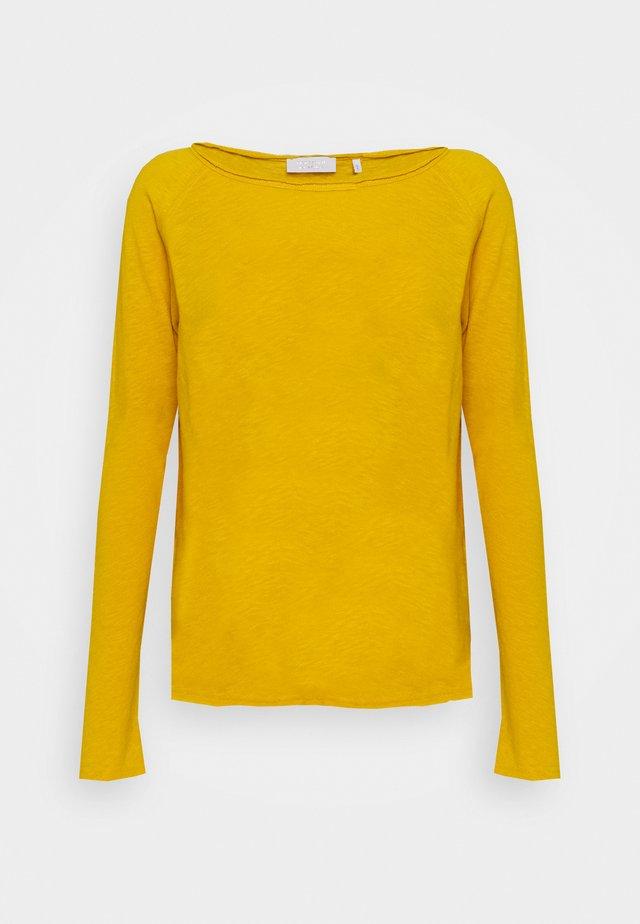 Langærmede T-shirts - golden yellow