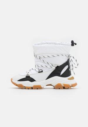 SUB  - Winter boots - white