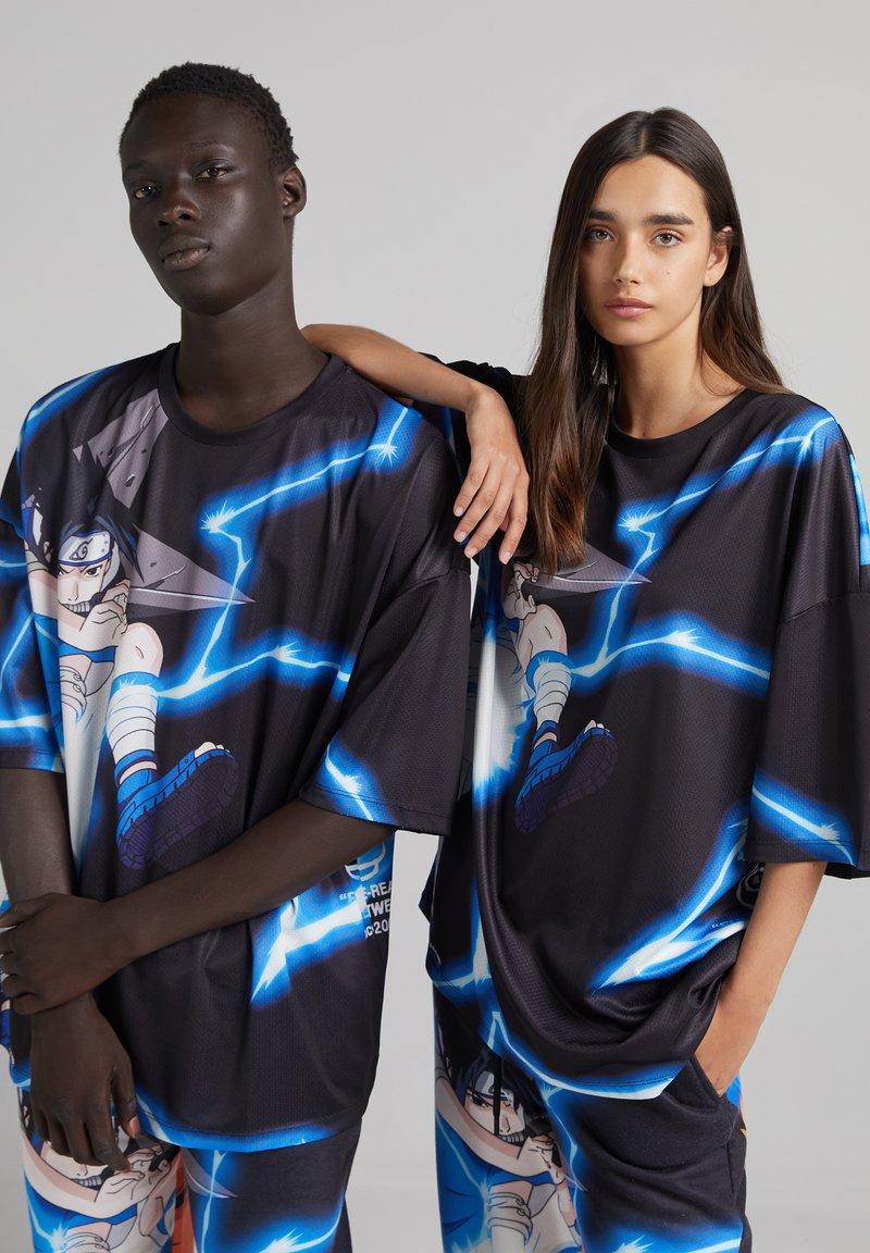 Bershka - UNISEX NATURO - Print T-shirt - black