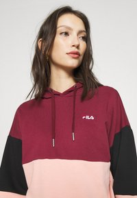 Fila - SANJA CROPPED HOODY - Hoodie - tawny port/black/coral cloud - 4