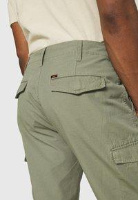 Lee - CARGO - Shorts - lichen green - 4