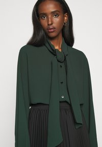 Mulberry - OTTILIE BLOUSE - Camicia - dark green - 6