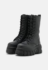 Nly by Nelly - MASSIVE BOOT - Plateaulaarzen - black - 2