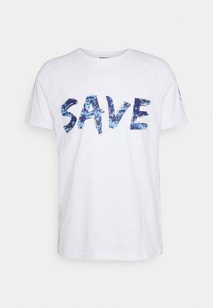 T-shirt con stampa - base bianco