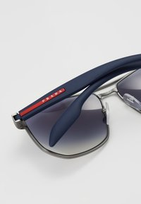 Prada Linea Rossa - Sluneční brýle - gunmetal - 2