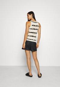 ONLY - ONLMARLEE-NESSA - Shorts - black - 2