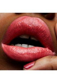 MAC - FROST LIPSTICK - Lipstick - costa chic - 1
