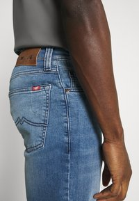 Mustang - BIG SUR - Straight leg jeans - denim blue - 5