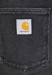 Carhartt WIP - NEWEL MAITLAND - Denim shorts - black mid worn wash - 2