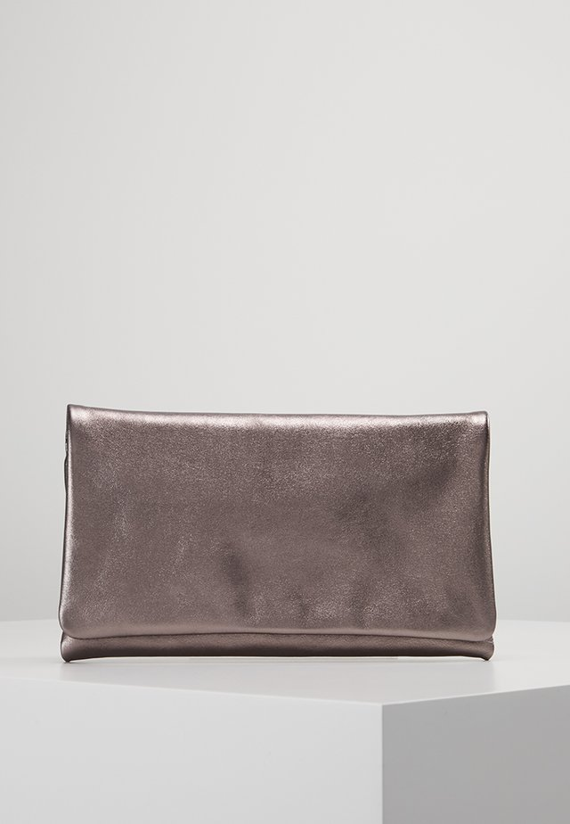 Clutches - taupe