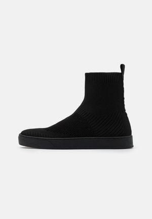 OYAEVO - Kotníkové boty - black