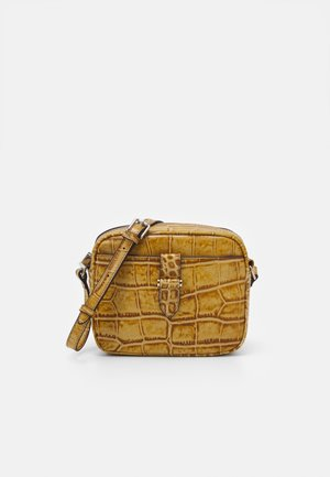 CARLY CROSS OVER - Across body bag - cognac