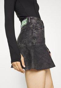 Diesel - DE BETHY SKIRT - Denim skirt - washed black - 3